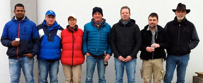 Die Gesamtsieger der Winterrunde 2014/15 von li. nach re.: Rajakumar Vallipuram (1.), Joachim Engisch (2.), Petra Fechner (3.), Rainer Bohner (4.), Holger Denzinger (5., fehlt auf dem Foto), Thomas Brinkmann (6.), Frank Naumann (7.), Ralf Bauer (8.)