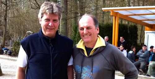 Das Denkendorfer Team Jochen Kauffmann und Rainer Bohner freut sich über den 2. Platz beim Osterhasenturnier.